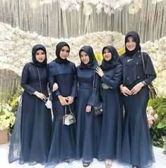 Kebaya Kece Kekinian (@kebaya.kece) • Foto dan video Instagram Hijab Prom Dress, Muslimah Wedding Dress, Hijab Evening Dress, Hijab Style Dress, Hijab Wedding Dresses, Muslim Dress, Dress Outfits, Bridesmaid Dresses, Dress Muslimah