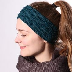 Ravelry: Elm Headband pattern by Hobbii Design Knitting Patterns Free, Free Knitting, Free Pattern, Headband Pattern, Knitted Headband, Knitted Hats, Knit Or Crochet, Crochet Shawl, Winter