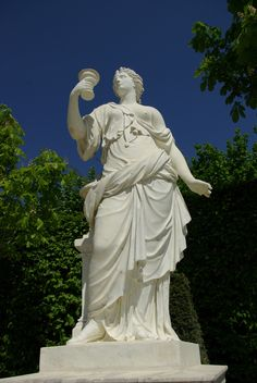 """Statue """"Artemise"""" Château de Versailles, France"""