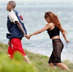 Rihanna celebró su 25 cumpleaños en Hawaii junto a Chris Brown