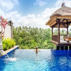 Always dreamed of staying in a luxurious villa with a private infinity pool and a breathtaking view? Viceroy Bali is the place where your dreams come true. Impossible to think of a location where you can feel more relaxed than here. | Photography by Adriaan Van Looy
