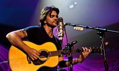 """Juanes rehearsing for his MTV """"Unplugged"""" session in Miami Beach."""