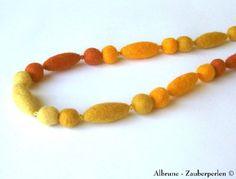 45 EUR http://de.dawanda.com/product/39369842-filz-halskette-no-20-filzkette-filzperlen                                                                                                                                                                                 Mehr