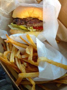 Here are five Santa Fe restaurants that consistently offer excellent value for money. Santa Fe Restaurants, Santa Fe Nm, Fes, Hamburger, Dining, Drinks, Ethnic Recipes, Blog, Drinking