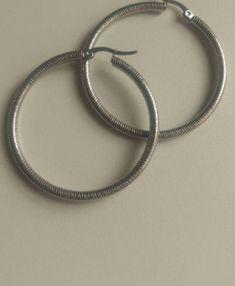 e6eed79a1d3807702dee5ae4f3912a11 Round Glass, Glasses, Bracelets, Silver, Jewelry, Fashion, Style, Eyewear, Moda