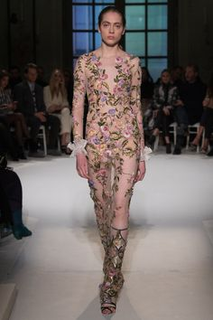 Giambattista Valli Spring 2017 Couture Fashion Show