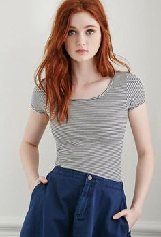Discover tons of gorgeous redhead on Bonjour-la-Rousse Beautiful Red Hair, Gorgeous Redhead, Red Hair Woman, Girls With Red Hair, Hair Girls, Ginger Girls, Redhead Girl, Red Hair Color, Ginger Hair Color