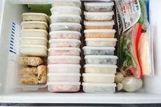 冷蔵庫収納のコツ!野菜室、調味料がすっきりするアイデア♪整理グッズも紹介