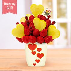 Looking for fruit basket delivery near you? Look no further than Edible Arrangements for delicious fresh fruit baskets for every occasion. Chocolate Covered Fruit, Chocolate Dipped Strawberries, Fruit Gifts, Edible Gifts, Fruit Basket Delivery, Edible Fruit Arrangements, Edible Centerpieces, Fruit Creations, Strawberry Dip