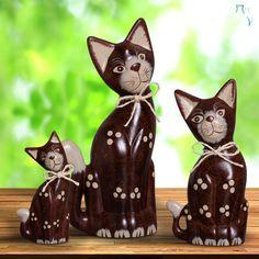 O charme da sua casa está garantido com este trio de gatinhos decorativos.
