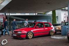 vw-golf-mk3-red-golden-5star-wheels.jpg (1000×664)