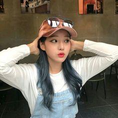 Read Girl from the story Korean_Ullzang by Kiwiable_ with reads. Pretty Korean Girls, Korean Beauty Girls, Cute Korean Girl, Asian Beauty, Asian Girl, Ulzzang Hair, Ulzzang Korean Girl, Ulzzang Couple, Ullzang Boys