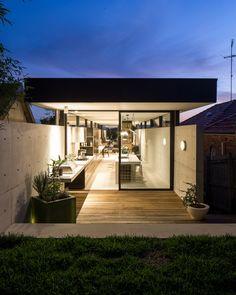 // Upsilon house by MCK architects. Photo: Douglas Frost
