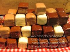 Cubitos de Brownie | chocolateriamore Brownies, Sausage, Cereal, Meat, Breakfast, Food, Cubes, Tent, Cookies