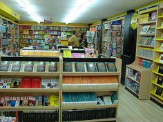 Imagen interior de la librería Espacio Lector Nobel Vila-real