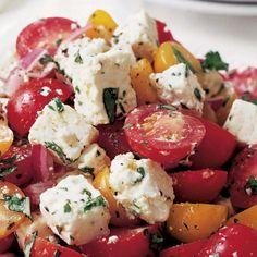 Salad Ina Garten - Tomato Feta Salad Recipe - great for the summer time!Ina Garten - Tomato Feta Salad Recipe - great for the summer time! Vegetarian Recipes, Cooking Recipes, Healthy Recipes, Cooking Tips, Feta Dip, Feta Tomato Salad, Quinoa Salad, Feta Salat, Summer Salads