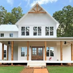 Board And Batten Cladding, Board And Batten Exterior, Exterior Siding Options, Exterior Cladding, House Siding Options, Exterior Colors, Exterior Paint, White Farmhouse Exterior, White Exterior Houses