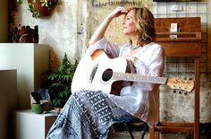 Singer-songwriter Julianne Ankley's music, shows, news, and more.