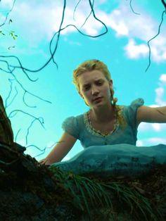 Tim Burton + Alice In Wonderland + Johnny Depp = BEST MOVIE EVER!