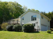 52 Meeting House Hill Rd, Durham, CT 06422