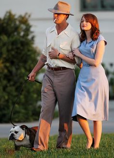 Ryan Gosling & Emma Stone on the set of Gangster Squad look at all of this hotness? Ryan Gosling, Emma Stone, Celebrity Pictures, Celebrity Style, Pretty People, Beautiful People, You're Beautiful, Dapper, Vestidos