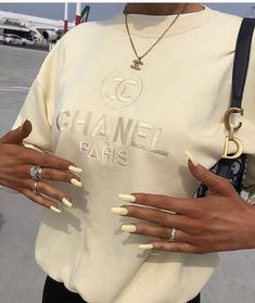 Chanel Paris October 23 2019 at fashion-inspo Outfits Casual, Mode Outfits, Fashion Outfits, Fashion Clothes, Fashion Ideas, Summer Outfits, Fashion Tips, Fasion, Fashion Hair