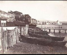 Και η δεύτερη φωτογραφία έχει αναρτηθεί στο facebook από την ομάδα «Παλιές φωτογραφίες της Θεσσαλονίκης» - Απεικονίζει το τείχος και τον Λευκό Πύργο As Time Goes By, Thessaloniki, My Town, Macedonia, Old Photos, Paris Skyline, The Past, Places To Visit, Europe