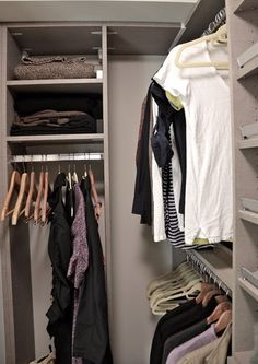HOW TO ORGANIZE A SMALL WALK IN CLOSET - perfect for the downstairs room dresses at back of closet