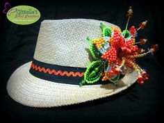 Para Pedidos en Ciudad de Panamá, envíen  un mensaje por este medio Beaded Rings, Beads And Wire, Beaded Flowers, Beaded Embroidery, Seed Beads, Videos, Projects To Try, Crochet Hats, My Style
