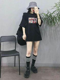 Korean Fashion Trends you can Steal – Designer Fashion Tips Korean Girl Fashion, Korean Fashion Trends, Ulzzang Fashion, Korean Street Fashion, Korea Fashion, Asian Fashion, Fashion Women, Ulzzang Style, Women's Fashion