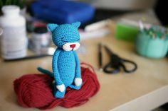 Crochet Doll Pattern, Cat Pattern, Crochet Patterns Amigurumi, Knit Or Crochet, Free Crochet, Free Pattern, Crochet Fashion, Cute Crafts, Hama Beads