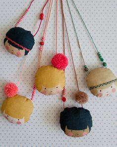 la camille necklaces / minikin