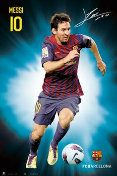 Lionel Messi Good Soccer Players, Football Players, Lional Messi, Cristiano Ronaldo Lionel Messi, Cool Posters, Fc Barcelona, Baseball Cards, Running, Sports