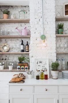 whitewashed bricks | hally's parsons green | london