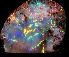 Цитата сообщения BestDay Радуга девы - самый красивый опал в мире Опалы – очень красивые камни, которые широко используются в ювелирном деле. Опалы могут иметь самую разную окраску, быть разноцветными, бесцветными или молочного оттенка. Для благородных опалов характерен яркий радужный…