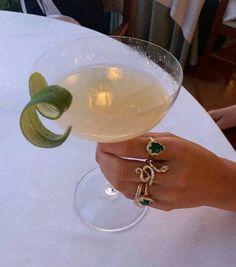 Fancy Drinks, Getting Drunk, Oui Oui, Rich Girl, Aesthetic Food, Love Food, Fun Food, Jewelery, Foodies