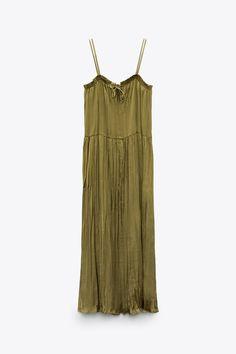 VESTIDO FLUIDO SATINADO | ZARA España Zara United States, Zara Dresses, Satin, Seasons, Fashion, Neckline, Moda, Fashion Styles, Elastic Satin