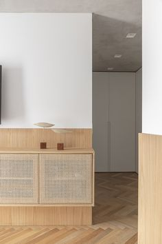 Home Interior Classic .Home Interior Classic Furniture Design, Room Remodeling, Minimalism Interior, Cheap Home Decor, Interior Furniture, Home Remodeling, Living Room Remodel, Home Decor, House Interior