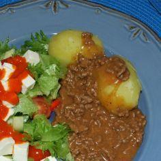 Perinteinen ruskeakastike - Kotikokki.net - reseptit Chili, Soup, Beef, Meat, Chile, Soups, Chilis, Steak