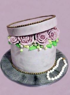cake box with roses by Geri