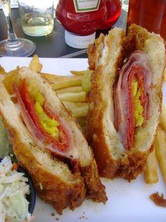 Deep Fried Italian Sandwich Oh my! I Love Food, Good Food, Yummy Food, Delicious Dishes, Yummy Recipes, Slider Sandwiches, Italian Sandwiches, Sliders, Deep Fryer Recipes