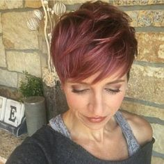 Best pixie hair cuts with long bangs for women 2019 - Bing images Square Face Hairstyles, Funky Hairstyles, Hairstyles Haircuts, Pixie Haircuts, Red Pixie Haircut, Short Sassy Hair, Short Hair Cuts For Women, Short Hair Styles, Red Hair Color