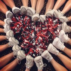 My cheer team did this! It is such a cute cheer photo idea! Football Cheer, Cheer Camp, Cheer Coaches, Varsity Cheer, Team Cheer, Cheer Team Pictures, Cheerleading Pictures, Team Photos, Dance Team Pictures