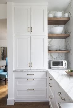 Home Remodel Kitchen Built in joinery and floating timber shelves. Pretty white kitchen with white cabinets, wood floor, marble countertops. Home design decor inspiration ideas. home interior design chic modern ideas. - New Ideas Kitchen Corner, Kitchen Redo, Home Decor Kitchen, Kitchen Interior, Home Kitchens, Kitchen Remodel, Ikea Kitchen, Kitchen Decorations, Condo Kitchen