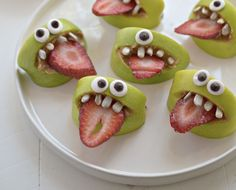 Googley Eye Monsters: Apple slices, strawberries, Chocolate Chips & marshmallows.