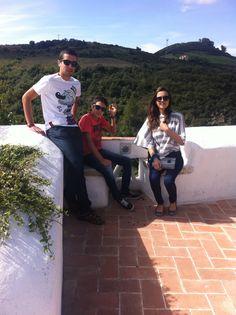 Os filhotes Mariana e André com o amigo André Teodoro, na Aldeia da Mata Pequena