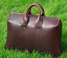 Basil Racuk Hard Brief..... I recently acquired this  awesome designed bag and I absolutely love this bag