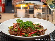 Thaisalat med oksekjøtt, paprika, reddiker, agurk og koriander - TRINEs MATBLOGG