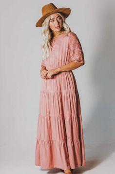 Juliana Eyelet Sleeve Dress Mauve – Lucy Avenue Modest Casual Outfits, Modest Dresses, Dress Slacks, Maxi Dress With Sleeves, Wrap Dress Floral, Boho Dress, Fall Travel Outfit, Travel Outfits, Long Knit Cardigan
