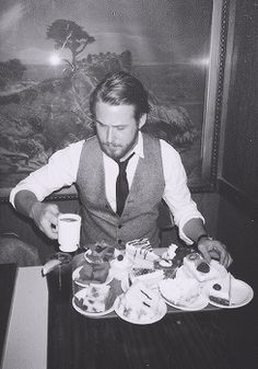 Ryan Gosling + cakes and coffee